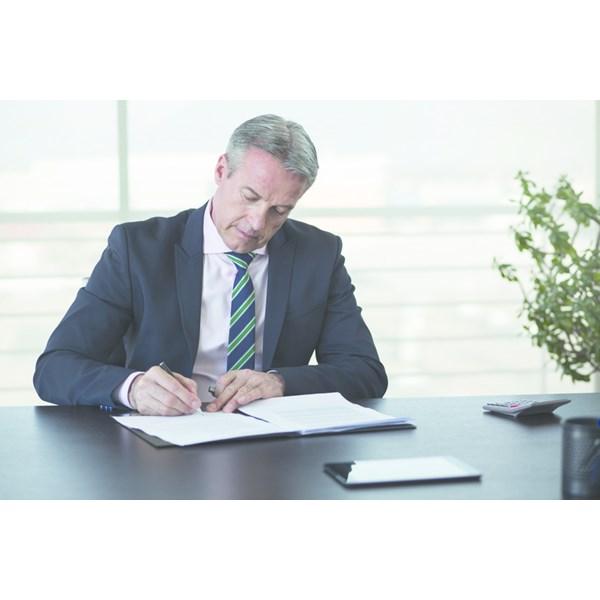 cdc367390e7 L employeur peut-il revenir sur une erreur affectant les stipulations d un  contrat de travail déjà signé et qui lui est défavorable